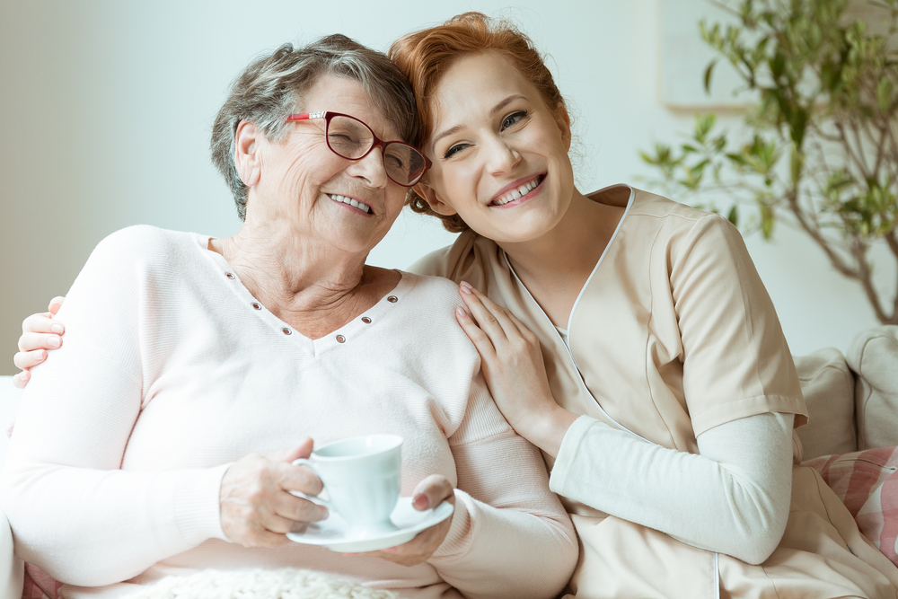 How to Choose Between Assisted Living vs Home Care